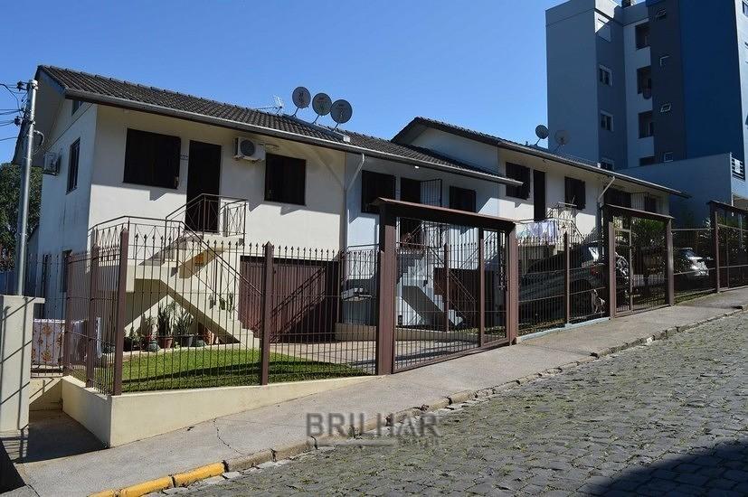 Casa Assobradada 2 dorm bairro Presidente Vargas