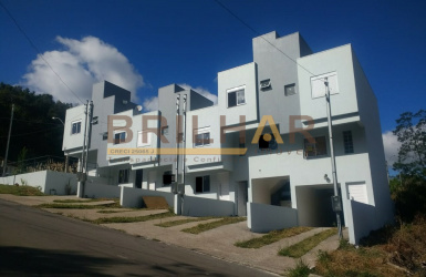 Sobrado 2 dormitórios comprar bairro Desvio Rizzo