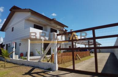 Sobrados 2 dormitórios comprar Balneário São Jorge